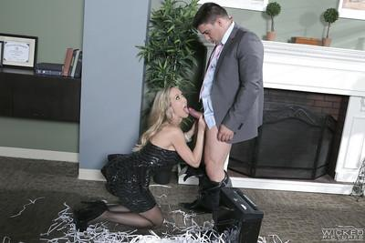 Blonde milf Brandi Love is staying on her knees and sucking a dick