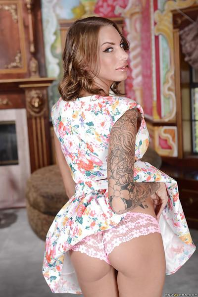 Tattooed latina sugar geetting rid of her fancy dress and panties