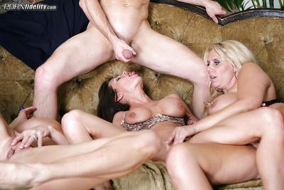 Milf swingers Veronica Avluv and Karen Fisher have some fun