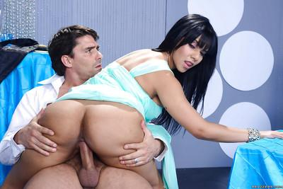 Awesome action with a passionate brunette lady Rose Monroe