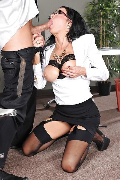 Amazing hooker Veronica Avluv swallows and fucks giant cum-stick
