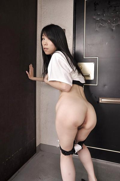 Frisky asian MILF Yuko Mukai getting naked and taking shower