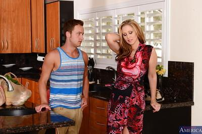 Julia Ann making love with her boyfriend and gets a good facial