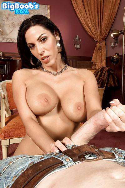Gonzo action with busty brunette mom Veronica Rayne getting finger fucked