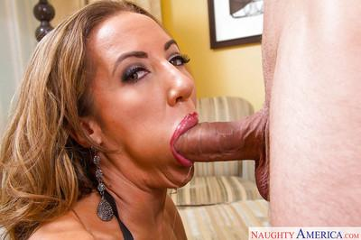 Busty MILF Richelle Ryan face sitting a man before giving him a blowjob