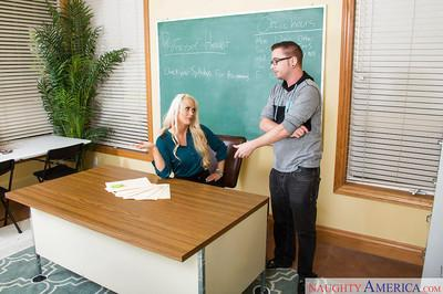 Blonde Milf teacher Holly Heart pussy licked and ass drilled