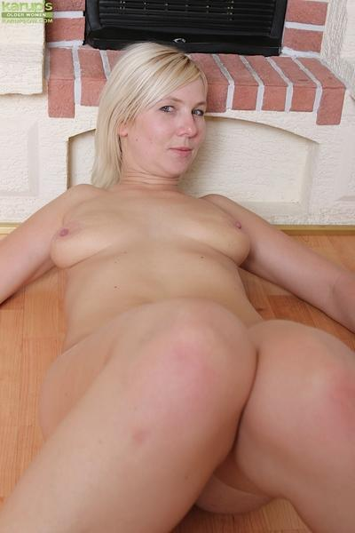 Blonde mom sheds dress and spreads labia lips for fingering of shaved pussy