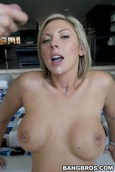 Cumshot looks nice on face of milf Skylar Price after nice blowjob