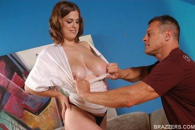 Busty MILF Brianna Bragg has her cunt stretched with a big cock