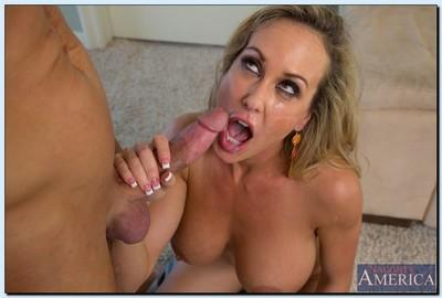 Lewd MILF Brandi Love gets fucked for a cumshot on her pretty face