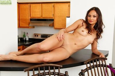 Latina milf Valentina Vixen shows off her small boobies and pussy