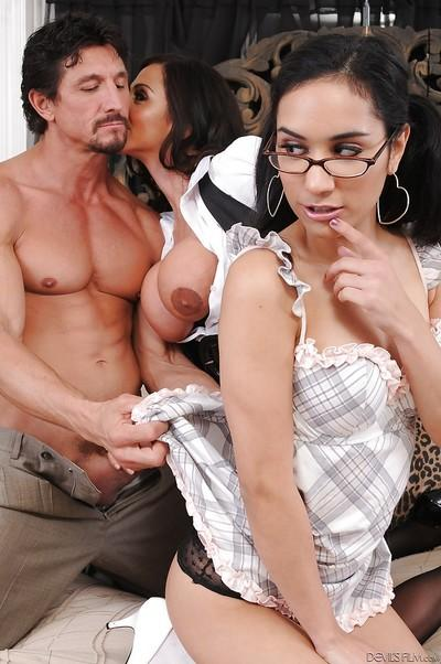 Ariella Ferrera and Tia Cyrus are tasting this nice-looking big dick