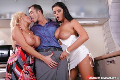 Latina Christina Jolie and milf Sharon Pink kissing dude