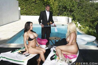 Pornstar MILFs Jenna Presley and Gina Lynn share a huge cock