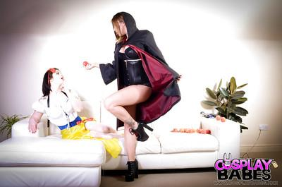 Cosplay dykes Yuffie Yulan and Lucia Love insert toys and tongues into cunt