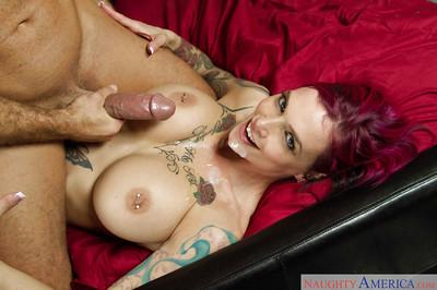 MILF Anna Bell Peaks is a naughty mommy who craves big thick cocks