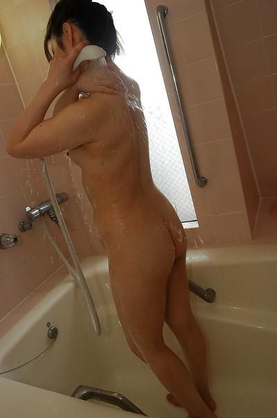 Fuckable asian MILF with small tits Yumi Kajiyama taking shower