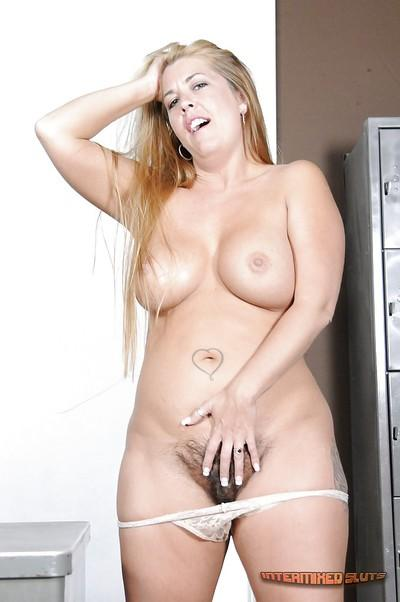 Blonde slut from Europe Joclyn Stone is showing her big tits