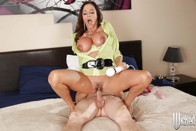 Amazing big-breasted milf Ariella Ferrera is getting cum in mouth
