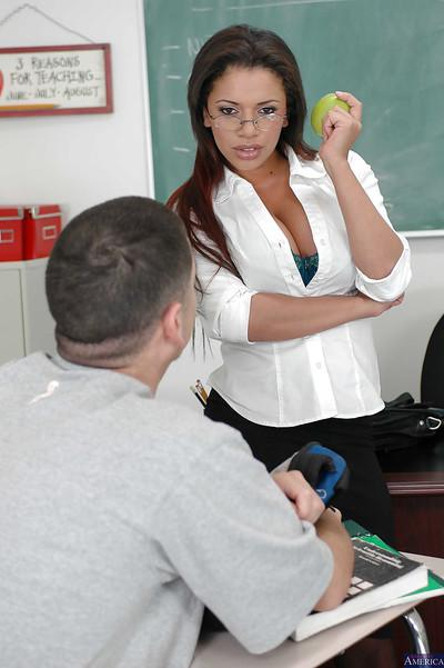 Milf teacher Alexis Silver was fucked in her face after lesson