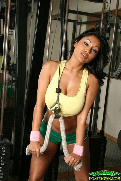 Indian MILF babe Priya Rai strips in the gym horny for fucking