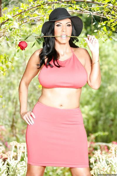 Buxom brunette mom Veronica Rayne models black bra and panty set in woods