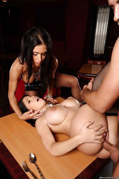 MILF pornstars Rebeca Linares and Jessica Jaymes fuck in a threesome