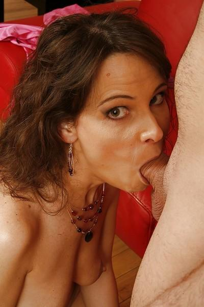 Lusty cougar Syrem Demar gets anal banged for a cumshot on her tongue
