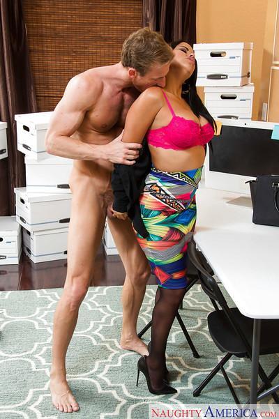 Office Latina Diamond Kitty gives a juicy sloppy blowjob on her knees