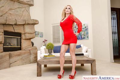 Leggy blonde mom Amber Lynn flaunting large boobs in high heels