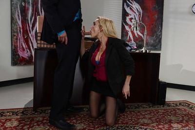 Dick loving blonde MILF Devon having fun with a throbbing hard cock