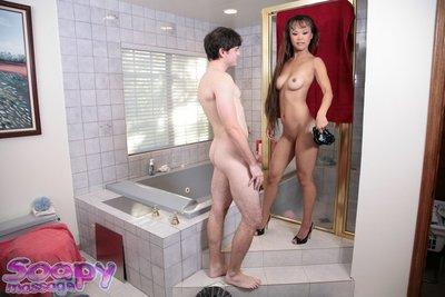 Sacred Asian prostitute Mia Smiles invites male in shower room
