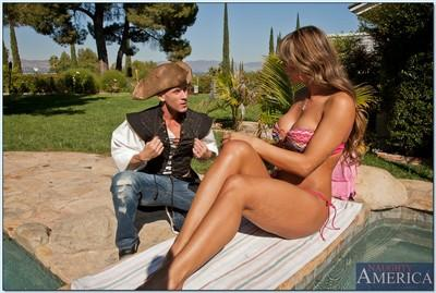 Stunning MILF babe Esperanza Gomez giving a blowjob and has sex