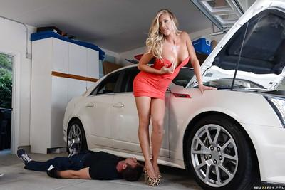 Busty blonde Samantha Saint fucks after repairing her Cadillac