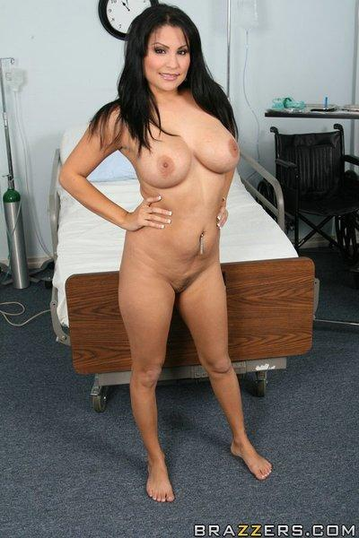Busty Latina MILF Sophia Lomeli gets naughty in the doctor