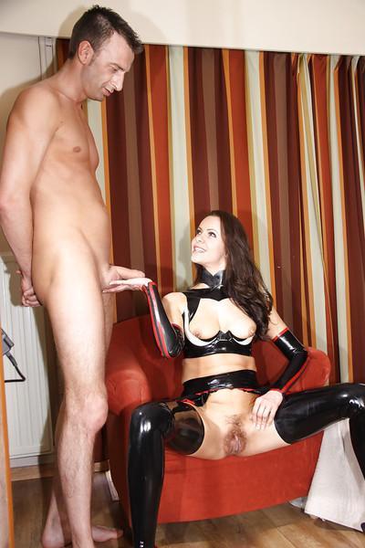 Amazing Amica Bentley humiliates her submissive slave on cam