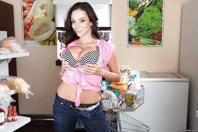 Milf mom with big tits Ariella Ferrera is posing in her wonderful jeans