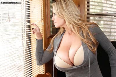 Non nude amateur milf Kelly Madison reveals her natural big tits