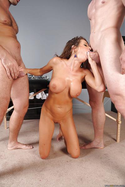 Hot MILF Veronica Avluv gets nailed hardcore by two huge cocks