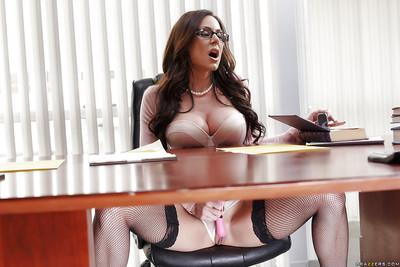 Chesty babe Kendra Lust masturbating her twat with toys in stockings