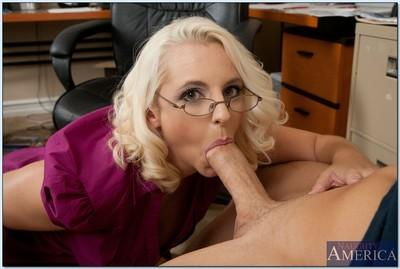 Busty milf fuck scene featuring office hoochie Mandy Sweet