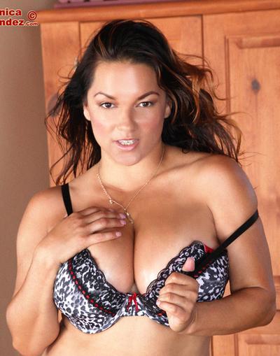 Big-tit pornstar Monica Mendez shows her pretty big natural boobs