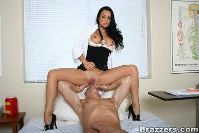 Lustful MILF in doctor uniform Victoria Sin fucks a well hung patient