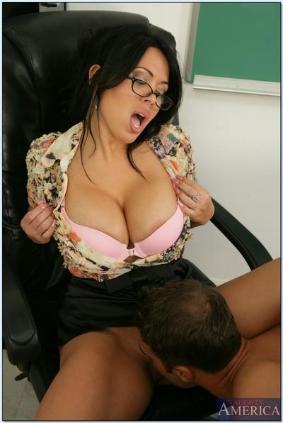 Latin MILF teacher Sienna West gets her hot pussy licked and stuffed