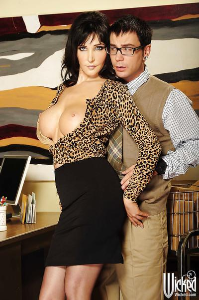 Stupendous office slut Diana Prince sucks off a hard cock