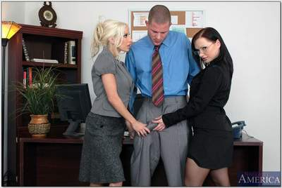 Luxurious office MILFs in glasses and stockings sharing bulging dick