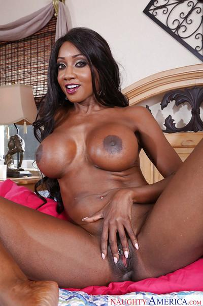 Ebony Milf babe Diamond Jackson unleashing her big black boobs