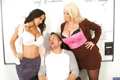 Lucky dude being pleased by Alura Jenson, Ava Addams over here