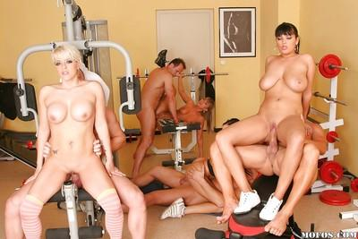 Hardcore milf groupsex after sport exercise will turn you on!