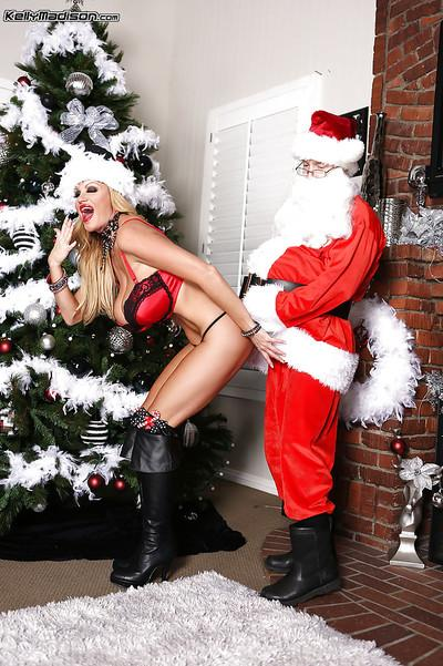 Christmas present from an wonderful amateur milf Kelly Madison